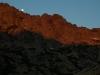 Sonnenaufgang mit Mond am Cinto-Massiv